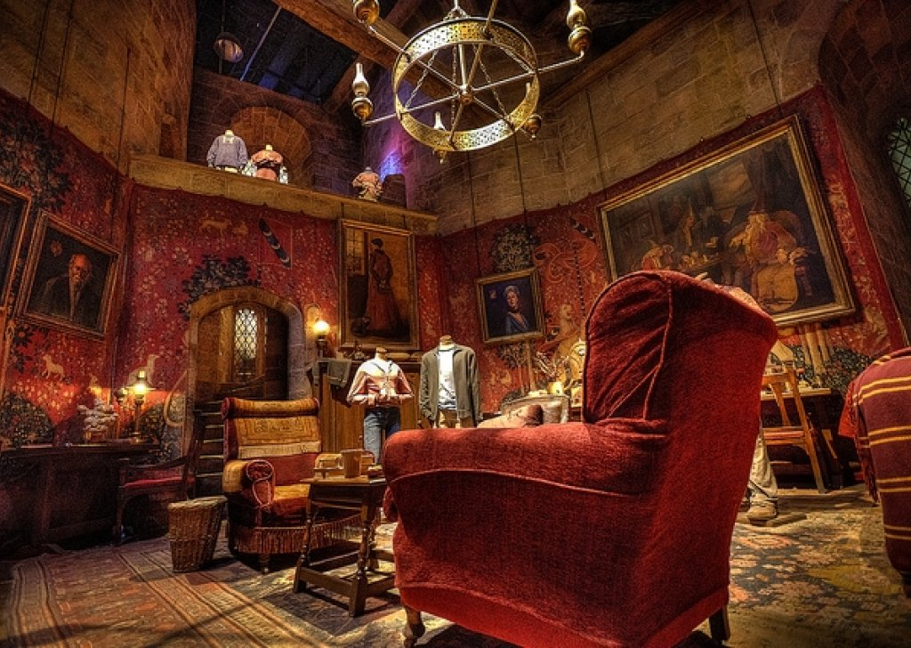 evening in the gryffindor common room audio atmosphere