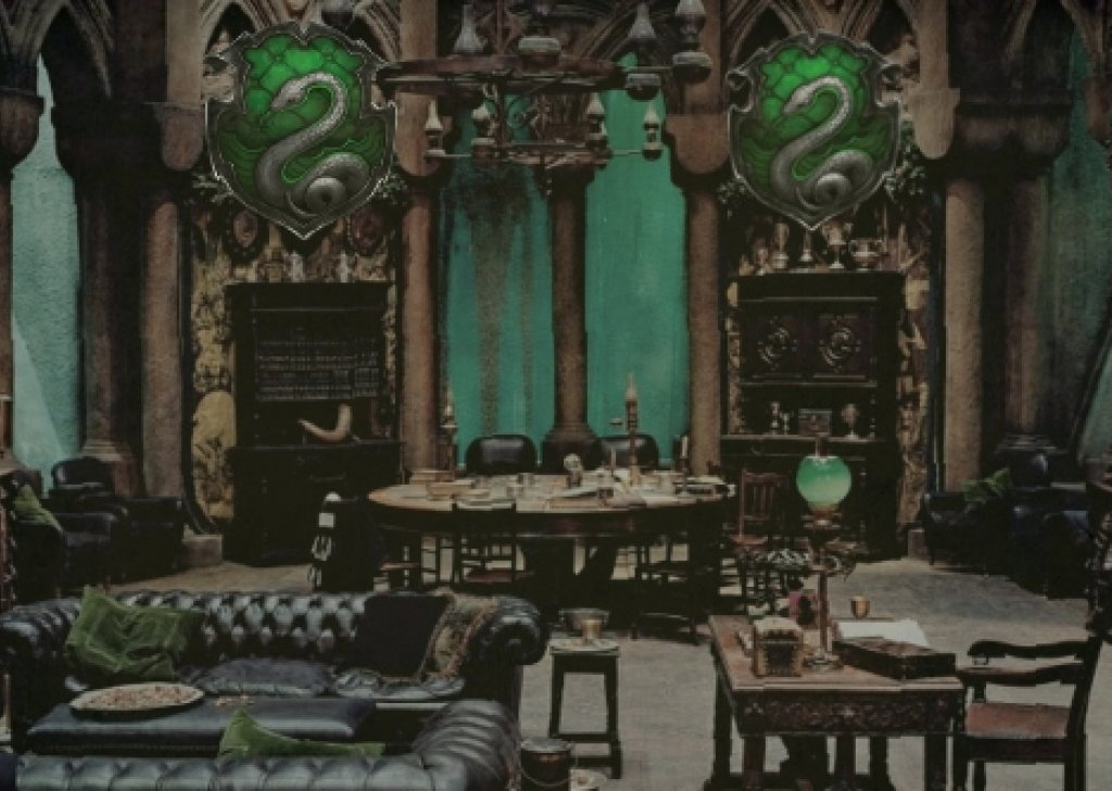 home interior design online games with Mon Room For Slytherins on Swedish Home Design 3d in addition Avakin Life Mod Apk V1 008 000 besides C furthermore The Ultimate Man Cave Father Spends Three Years 50 000 Creating Fantasy Basement  plete Sword Rack Suits Armor Secret Passage Bookcase in addition 220625.