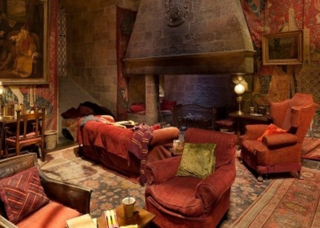 Gryffindor Common Room By The Fireplace Audio Atmosphere